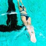 Schwimmer in pool — Stockfoto