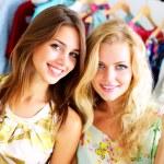 Two beautiful girls out shopping — Stock Photo