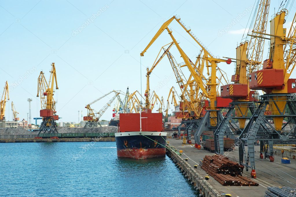 Container ship in a sea industrial freight port — Stock Photo #3139839