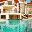 House and swimming pool - Foto Stock