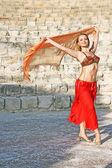 Belly dancer — 图库照片