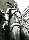 Big robot on the Camden Lock Market, London — Stock Photo