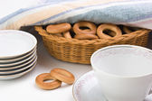 Tea set and bagels — Stockfoto
