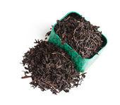 ボックスに茶葉を乾燥します。 — ストック写真