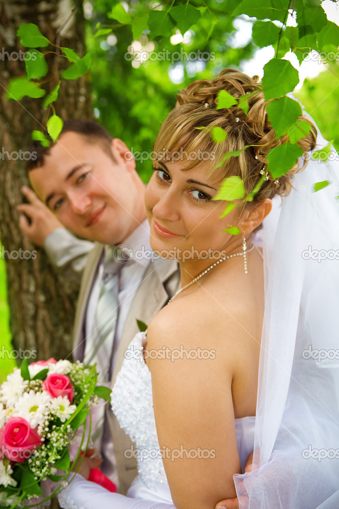 Portrait of the couple of groom and bride — Stock Photo #3706600