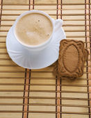 Cappuchino and cookie — Stock Photo