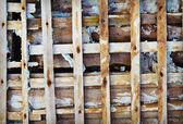 老木格子-老骨架的混凝土墙体 — 图库照片