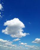Blauwe hemel — Stockfoto