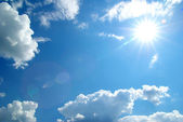 Sonnigen Himmel — Stockfoto