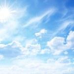 güneşli gökyüzü — Stok fotoğraf