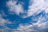 Tranquil skies and clouds — Stock Photo