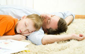 Father with son sleeping — Stock Photo