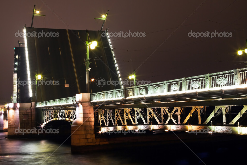 Dvortsovy bridge in St. Petersburg. Russia. — Stock Photo #3571421