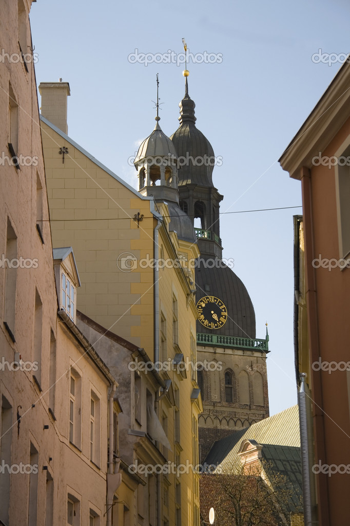 View on Riga Dome through Old town buildings, Latvia — Stock Photo #3705727
