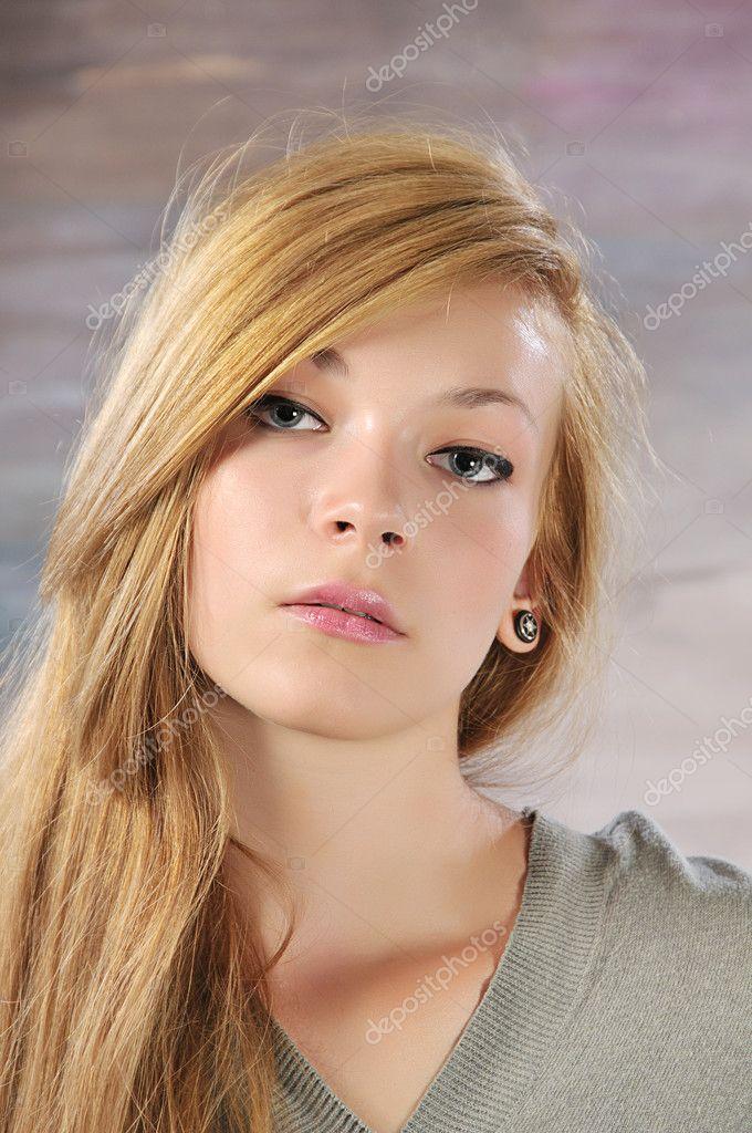 Красивые девушки вид спереди