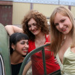 Girls with vintage car — Stock Photo