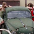Girls with vintage car — Stock Photo #2761431