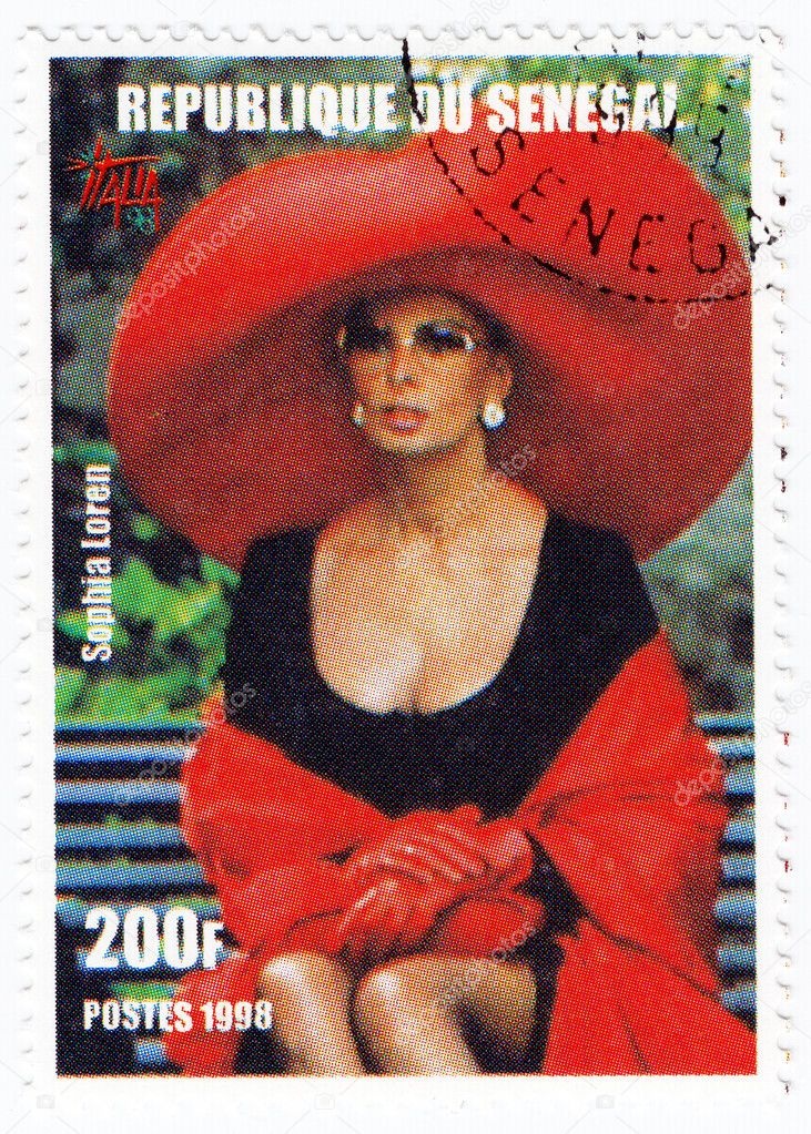 Stamp printed in Senegal with popular Italian actress Sophia Loren, circa 1998 — Stock Photo #3288714