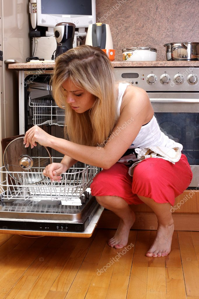 Woman cleaning kitchen stock photo konstantin32 3460838 for Kitchen plus 2000 vs 3000