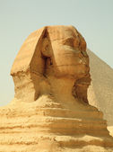 エジプトのスフィンクスとギザのピラミッド — ストック写真