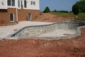 Vroege stadia van de bouw van een zwembad — Stockfoto