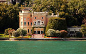 Villa by Lake Garda — Stock Photo