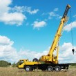 Mobile crane with risen boom outdoors — Lizenzfreies Foto