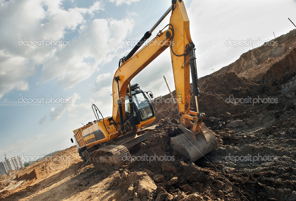 Excavator loader excavating soil from sandpit in summer — Stock Photo #3247668