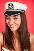 Deniz korsan servis şapkalı kız — Stok fotoğraf
