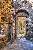 Puerta vieja fortaleza genovesa — Foto de Stock