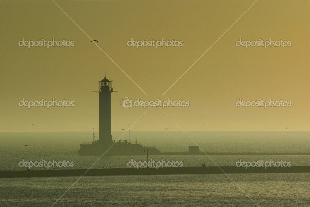Early morning Odessa lighthouse — Stock Photo #3833198