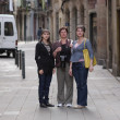 Women poses in gothic quarter of Barcelona — Stockfoto