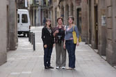 Women poses in gothic quarter of Barcelona — Stock Photo