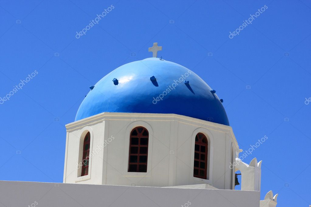 Blue cupola of greek orthodox church at Santorini, Oia — Stock Photo #3810869