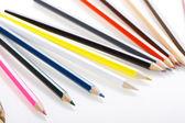 Matite colorate su sfondo bianco — Foto Stock