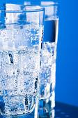 Soğuk su ile gözlük — Stok fotoğraf