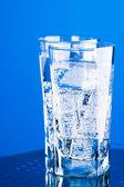 Drei gläser mit kaltem wasser — Stockfoto