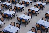 Tabellen im café — Stockfoto