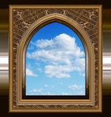Gotisch of scifi venster met blauwe hemel — Stockvector