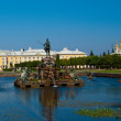 Royalty-Free Stock Photo: Peterhof Palace and fountain