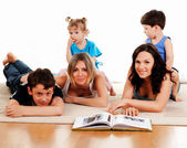 Enfants et parents — Photo