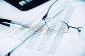 业务和财务报告 — 图库照片