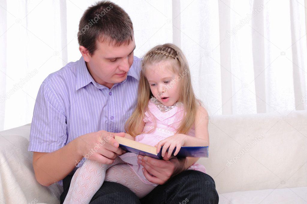 Дочурка молоденькая отец порно его и