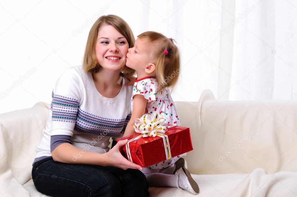 Подарок маме от дочки 16 лет