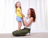 Молодая мать с дочерью — Стоковое фото
