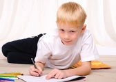 Little boy draws — Photo