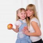 garotinha e a mãe dela — Foto Stock