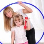liten flicka och hennes mamma — Stockfoto #4548308