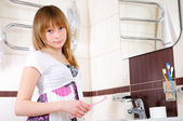 Young girl waking up early in the morning — Stock Photo