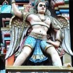 Garuda - hindu mythical bird, decoration on Sri Rangam Temple — Stock Photo